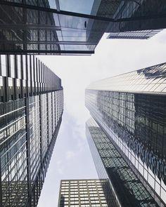 Love the high buildings off Philadelphia  #philadelphia #philly #usa #unitedstates #unitedstatesofamerica #menories #highbuilding #sky #instagramhub #instadaily #instaadict #instamood #instagood #picoftheday #photooftheday #shoot2kill #bestoftheday #like4like #amazing #master_shots #huntgram #createexplore  #streetphotography  #urban #architecture #ic_architecture #architectuur #architecturelovers #architecturephotography #underground