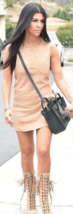 Who made  Kourtney Kardashian's gold jewelry, tote handbag, and tan suede lace boots?