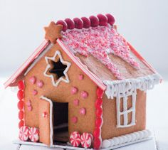 Your Family has been creating delicious recipes for busy women since the and has a huge repertoire of nutritious, easy and lip-smacking recipes on hand! Gingerbread House Template, Make A Gingerbread House, Christmas Goodies, Christmas Ideas, Merry Christmas, Xmas Cookies, Party Treats, Craft Shop, Perfect Food