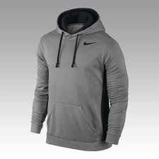 baa1e69c1419 This men s Nike hoodie is equipped with Therma-FIT fabric that keeps you  warm and insulated while you conquer that brisk morning run.