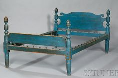 almost seaworthy looking little blue bed