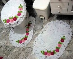 Bath Crochet Patterns Part 2 - Beautiful Crochet Patterns and Knitting Patterns Crochet Art, Crochet Home, Crochet Flowers, Crotchet Patterns, Knitting Patterns, Crochet Kitchen, Crochet Handbags, Bathroom Sets, Beautiful Crochet