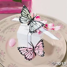 Feather Butterfly Favor Box Idea | Use these pretty boxes to give little Easter gifts. #Easter #DIY