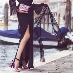 Stunning @floradallevacche shining in her Sebastian paillettes sandals.