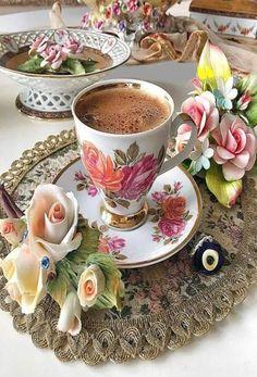 Photo from 🤔 <> . Coffee Vs Tea, Brown Coffee, I Love Coffee, Coffee Cafe, Good Morning Coffee, Coffee Break, Chocolates, Tea Cup Set, Coffee Photography