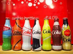 [Coke Bottle 11]다양한 스포츠 종목을 담은 코카-콜라 병 모습! 골프 농구 야구 등 한눈에 어떤 스포츠인지 알아볼 수 있겠죠? 야구 코카-콜라 병 들고 야구장 가면 시선집중 받을 수 있겠는데요?^^