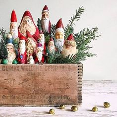Family Christmas Ornaments, Merry Little Christmas, Primitive Christmas, Christmas Love, Rustic Christmas, Christmas Projects, Winter Christmas, Vintage Santas, Vintage Holiday