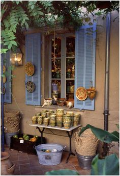 Images of Provence > Pottery, St Tropez