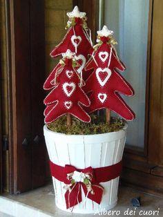 Regali Di Natale In Pannolenci.81 Fantastiche Immagini Su Alberi Di Natale In Feltro Christmas