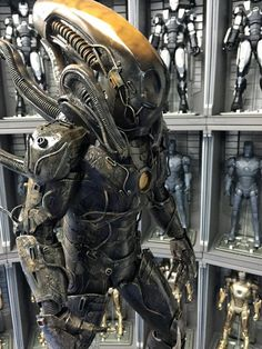 This insane custom-made Iron Man and Alien Xenomorph mashup was created by the Samkwok workshop. It was created using Hot Toys' 1/4 Iron Man Mark 43 figure as the base, and from there all the xenomorph greatness was added onto it. As you can see, the finished product turned out amazing!