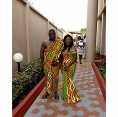 This post can show you the most recent kente designs 2019 has future for you. we have collected the best 77 styles of Latest Kente Designs For Ghanaian Wedding 2019 from African styles attires. African Attire, African Wear, African Women, African Dress, African Clothes, African Style, African Fashion Ankara, African Print Fashion, Africa Fashion