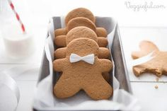 Vegan Gingerbread Men Cookies Recipe. *SUB MARGARINE FOR COCONUT OIL, SUGAR FOR COCONUT SUGAR, AND SYRUP FOR MOLASSES.