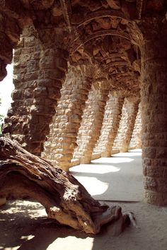 Parque Guell: Barcelona, Spain - particularly loved this arcade. Places To Travel, Places To See, Wonderful Places, Beautiful Places, Antonio Gaudi, Parc Guell, Spain And Portugal, Spain Travel, Dream Vacations