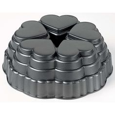 Wilton Dimensions Cast-Aluminum Nonstick Queen-of-Hearts Pan >>> To view further for this item, visit the image link. Donut Baking Pan, Cake Baking Pans, Baking Gadgets, Baking Tools, Mini Cakes, Cupcake Cakes, Cupcakes, Shaped Cake Pans, Bakery Kitchen