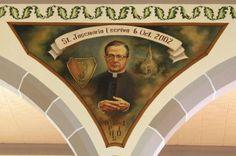 Detalle entre dos arcos en la iglesia de Saint Joseph Parish