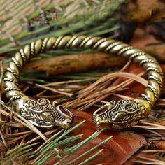 VIKING WOLF ARMBAND. Fenrir Armband Wikinger Schmuck. von RuyaN