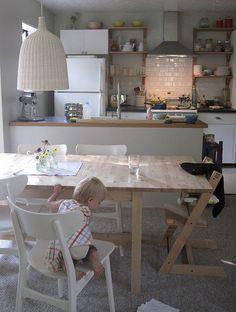 stokke high chair, ikea table