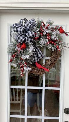 Front Door Christmas Decorations, Blue Christmas Decor, Christmas Swags, Christmas Centerpieces, Holiday Wreaths, Rustic Christmas, Christmas Crafts, Lighted Christmas Wreaths, Decorating Porch For Christmas