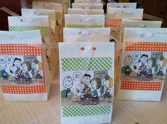 Snoopy baby shower favors: lemonade mix with Charlie brown comic attached