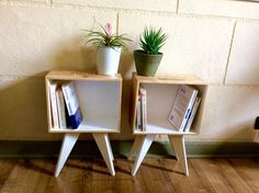 Set of 2 bedside tables in case of wine compass feet. Diy Furniture, Furniture Design, Wine Case, Ikea Hack, Pallet Projects, Crates, Storage, Handmade, Home Decor