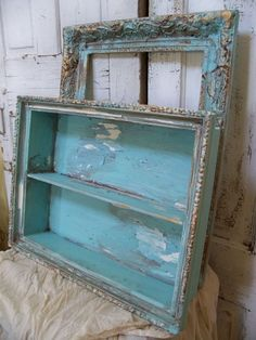 Someday DIY - genius storage for under-utilized space! Freezer food recipes plaid blankets carried on adventures for spontane. Vintage Shabby Chic, Shabby Chic Style, Shabby Chic Decor, Vintage Decor, Vintage Diy, Distressed Furniture, Shabby Chic Furniture, Painted Furniture, Handmade Picture Frames
