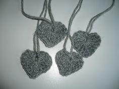 Taikutti: Ohje Kissan uni -kirjoneulesukkiin Handicraft, Crochet Necklace, Uni, Tips, Socks, Hand Crafts, Crochet Collar, Craft, Arts And Crafts