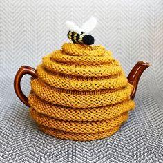 Teapot coz-z-zy..  #cozy #knitspirational #instagood #vscocam #cool #bzz #loveknitting #knitstyle #knitart #iloveknitting #design #knit #knitted #knitting #knitstagram #вязание #вяжутнетолькобабушки #уют