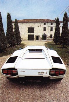 1985 White Lamborghini Countach