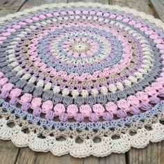 All this Beautiful colors #crochetmandala #colortherapy