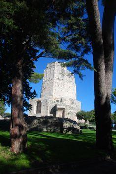 Tour Magne - Nîmes Elle était la tour la plus haute et la plus prestigieuse de l'enceinte romaine.