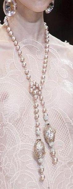 runway accessories pearls  ♥✤   KeepSmiling   BeStayBeautiful