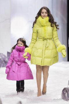 Для стиля не существует возрастных ограничений. Чем раньше вы начнете прививать ребенку хороший вкус в одежде - тем лучше. Элегантные фасоны и внимание к деталям - это не только важные составляющие стиля, но и основные тенденции в детской моде осень-зима 2014-2015. А подробнее узнать про эти и другие модные веяния предлагаю в этой публикации.
