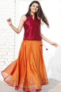 Lovely skirt and top Indian Attire, Indian Ethnic Wear, Ethnic Suit, Indian Wedding Outfits, Indian Outfits, Indian Clothes, Indian Skirt And Top, Mode Bollywood, Saree Dress
