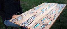 mesa de madeira que brilha no escuro
