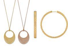 """Diamantissima By Gucci inserisce 4 """"new entry"""" alla collezione, due versioni di collana con pendente dalla forma bombata e due paia di orecchinihttp://www.sfilate.it/226750/diamantissima-gucci-collana-gli-orecchini"""
