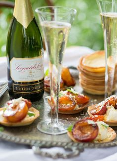 #LeopardsLeap #wine #champagne #MCC #bubbly #caramelised #peach #tart #foodstyling #foodphotography #foodwinepairing Food Styling, Wines, Tart, Food Photography, Champagne, Bubbles, Peach, Favorite Recipes, Vegetables