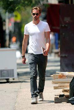 Alexander Skarsgard Strolls in SoHo