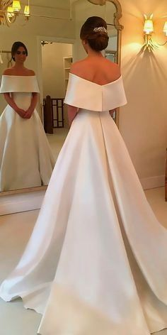 White bride dresses. All brides imagine finding the most suitable wedding day, but for this they need the ideal wedding dress, with the bridesmaid's outfits actually complimenting the wedding brides dress. The following are a number of suggestions on wedding dresses.