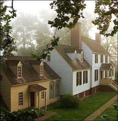 historic homes One of my FAVORITE places in the world: Colonial Williamsburg. Colonial Williamsburg Va, Williamsburg Virginia, Beautiful Homes, Beautiful Places, Virginia Is For Lovers, Colonial America, Cottage, Historic Homes, Oh The Places You'll Go