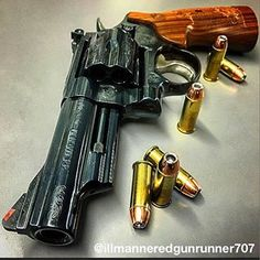 By Engraved Smith & Wesson 29 Revolver. Smith Wesson, Hand Cannon, Lethal Weapon, Gun Art, Assault Rifle, Cool Guns, Guns And Ammo, Self Defense, Survival Gear