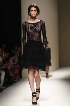 Alberta Ferretti #MFW #Fashion #RTW #SS14 http://nwf.sh/18bMkGt