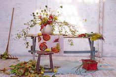 styling concept + flower arangement  : dietlind wolf  photo : julia hoersch  in print : schoenerwohnen issue 10/2012