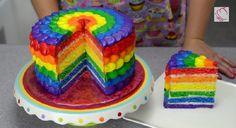 Le gâteau arc-en ciel!                                                                                                                                                                                 Plus