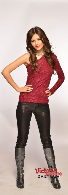 I love Victoria Justice's sparkly red shirt here.