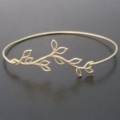 Armreife - Armreif Zweig - Gold Armband - ein Designerstück von frostedwillow bei DaWanda