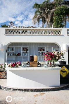 Built-In Bar // Flowers: Natural Pina