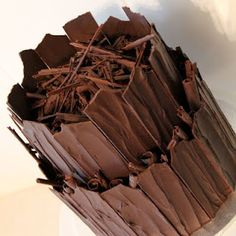 How to make Chocolate Shards You simply melt chocolate spread it