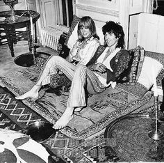 Rolling Stones guitarist Keith Richards and Anita Pallenberg (born 6-4-1944, Italian-born actress, model, and fashion designer), at their Chelsea home 1969