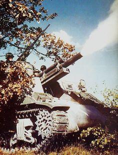 Canon automoteur sur châssis de Sherman