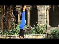 Yogi Nora takes us through a complete headstand practice using blocks. This practice will help you build your strength, build core muscles, increase balance and limit injuries.